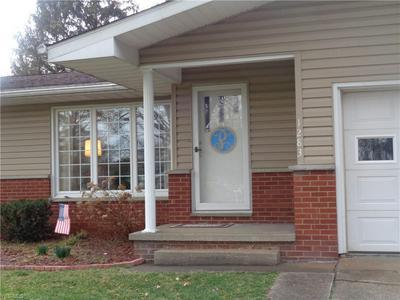 1283 WASHINGTON GARDENS CIR, WASHINGTON, WV 26181 - Photo 2