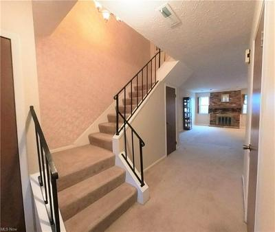 1791 ROLLING HILLS DR APT D, Twinsburg, OH 44087 - Photo 2
