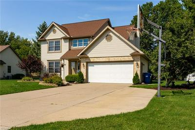 1013 HUNTERS CHASE, Grafton, OH 44044 - Photo 2