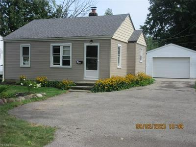 735 QUENTIN RD, Eastlake, OH 44095 - Photo 2
