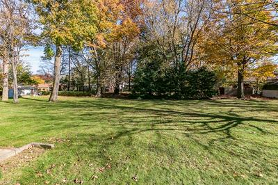 687 EDGEWOOD RD, Richmond Heights, OH 44143 - Photo 2