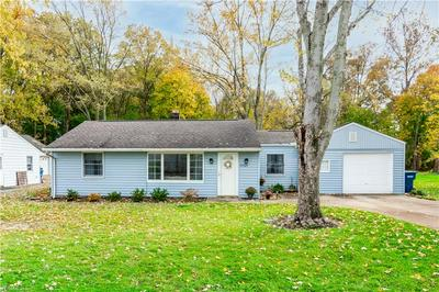 27109 LYNN DR, Olmsted Township, OH 44138 - Photo 2
