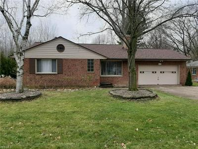 5690 MACKENZIE RD, North Olmsted, OH 44070 - Photo 1