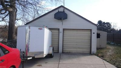 120 IROQUOIS ST, Struthers, OH 44471 - Photo 2