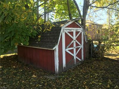 706 W 1ST ST, Uhrichsville, OH 44683 - Photo 2