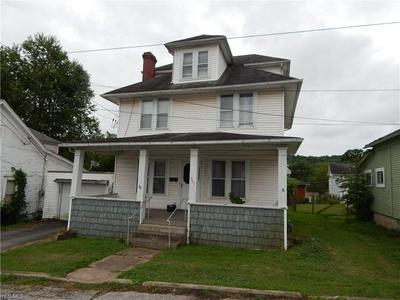 207 E CROWN AVE, Pennsboro, WV 26415 - Photo 2
