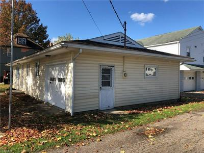 415 E 6TH ST, Uhrichsville, OH 44683 - Photo 2