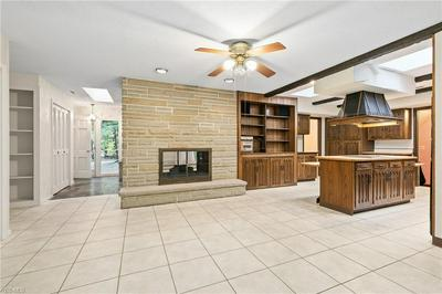 13033 WOODCREST LN, Chesterland, OH 44026 - Photo 2