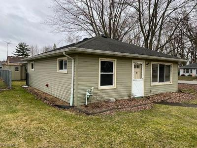 4631 HOMEWOOD DR, MENTOR, OH 44060 - Photo 2