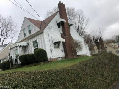 902 17TH ST NE, CANTON, OH 44714 - Photo 2