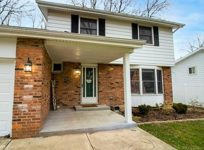 5925 FOREST RIDGE DR, North Olmsted, OH 44070 - Photo 2