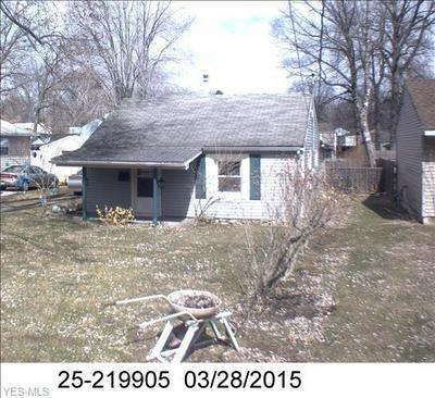 215 SAINT JOHN AVE, Niles, OH 44446 - Photo 1