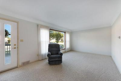 330 E 307TH ST, Willowick, OH 44095 - Photo 2