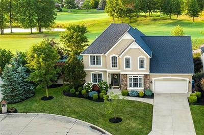 34322 CROWN COLONY DR, Avon, OH 44011 - Photo 2