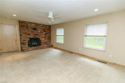 7055 CARRIAGE HILL DR APT 101, Brecksville, OH 44141 - Photo 2
