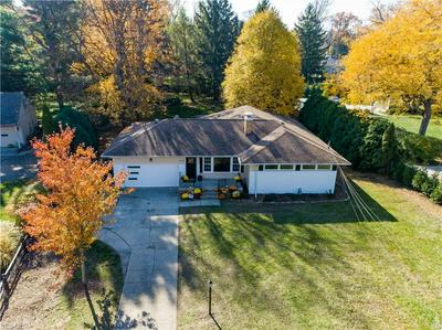 30329 LAKE RD, Bay Village, OH 44140 - Photo 2