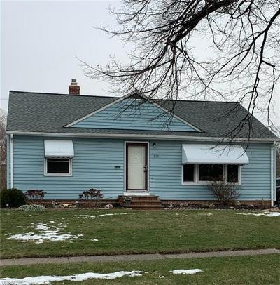 2155 E 290TH ST, WICKLIFFE, OH 44092 - Photo 1