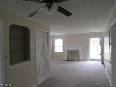 943 GULF RD, ELYRIA, OH 44035 - Photo 2