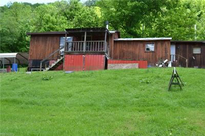 53 RIVERSIDE RD, Elizabeth, WV 26143 - Photo 2
