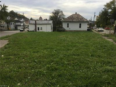 1063 GREENWOOD AVE, Zanesville, OH 43701 - Photo 2