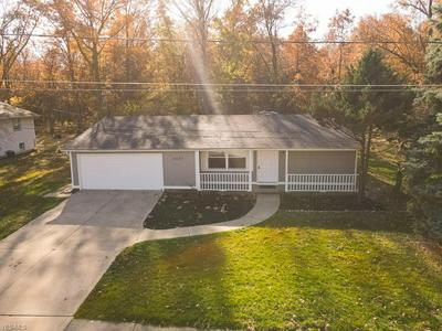 5057 HOLLYVIEW DR, Vermilion, OH 44089 - Photo 2