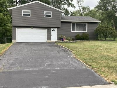 2409 SHERWIN DR, Twinsburg, OH 44087 - Photo 1
