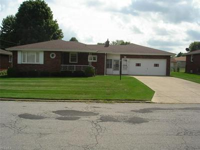 602 W HARVEY ST, Struthers, OH 44471 - Photo 1
