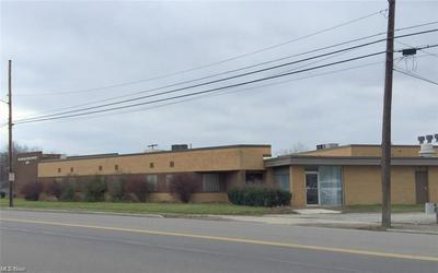 1240 N MAIN ST, Niles, OH 44446 - Photo 1
