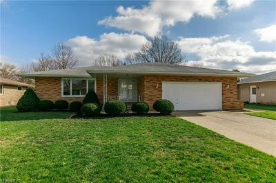 5635 CHATHAM DR, Seven Hills, OH 44131 - Photo 1