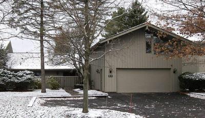 381-24 KNOLLWOOD DR, Aurora, OH 44202 - Photo 1
