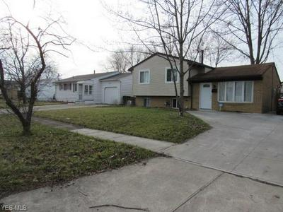 827 HOLLYWOOD BLVD, ELYRIA, OH 44035 - Photo 2
