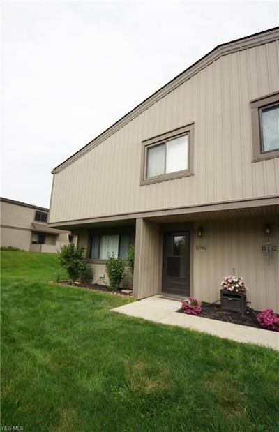 11960 HARBOUR LIGHT DR, North Royalton, OH 44133 - Photo 2
