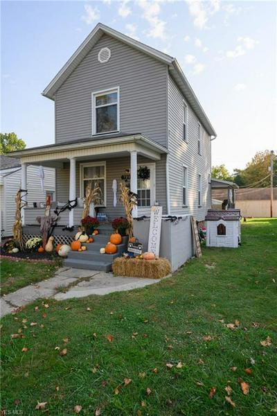 721 GORLEY ST, Uhrichsville, OH 44683 - Photo 2