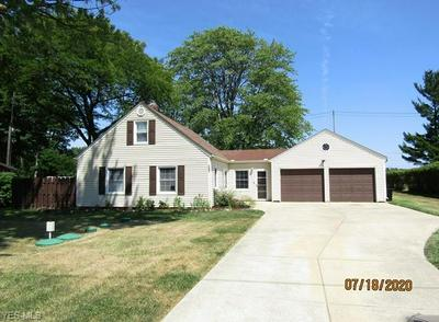 7247 PLEASANT ST, Middleburg Heights, OH 44130 - Photo 1