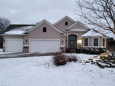 511 ROLLING HILLS DR, Wadsworth, OH 44281 - Photo 1