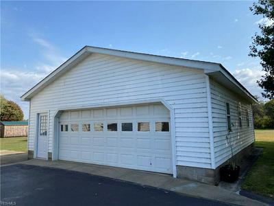 1181 LAKE RD, Conneaut, OH 44030 - Photo 2