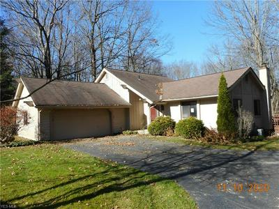 11070 CARRIAGE HILL DR, Chagrin Falls, OH 44023 - Photo 2