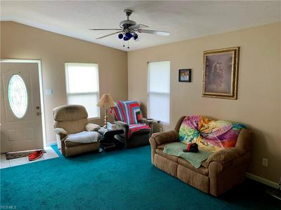 182 PERRY ST, Struthers, OH 44471 - Photo 2