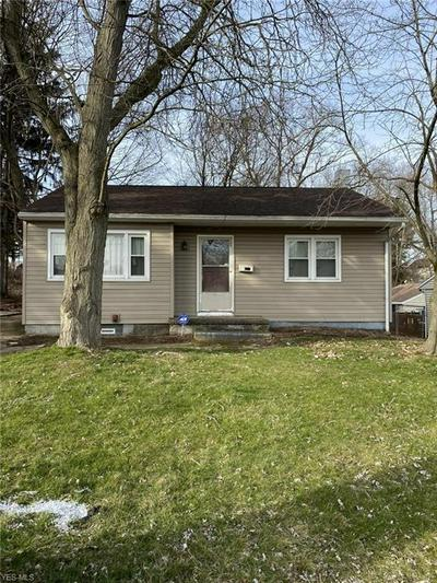 2110 CHERRY HILL AVE, YOUNGSTOWN, OH 44509 - Photo 1