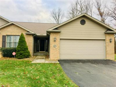 402 PIN OAK PL, CAMPBELL, OH 44405 - Photo 1