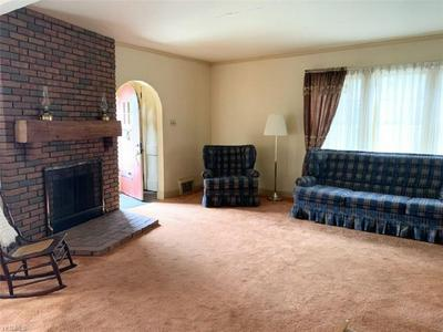 945 HOMEWOOD AVE, Salem, OH 44460 - Photo 2