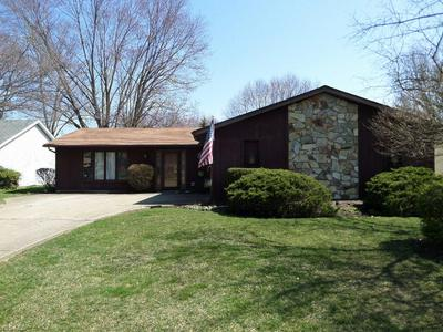 6173 WILD OAK DR, NORTH OLMSTED, OH 44070 - Photo 1