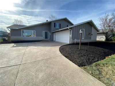 13601 BENNINGTON BLVD, Middleburg Heights, OH 44130 - Photo 1