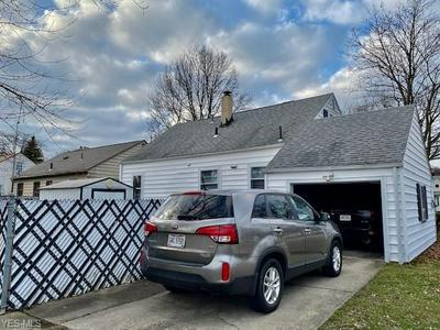 2108 MONTCLAIR ST NE, WARREN, OH 44483 - Photo 2