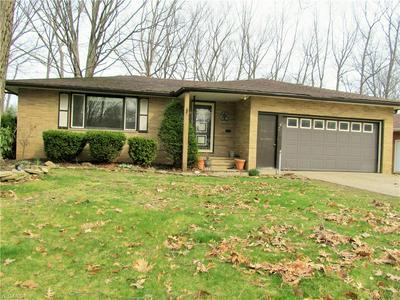 883 E PARKLEIGH DR, SEVEN HILLS, OH 44131 - Photo 1