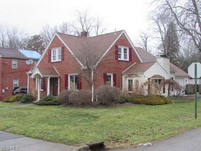 205 PRINCETON AVE, HUBBARD, OH 44425 - Photo 2
