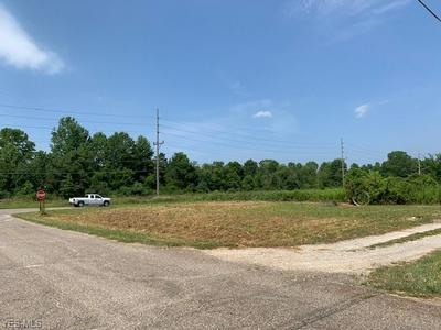 60974 OAKWOOD RD, Byesville, OH 43723 - Photo 2