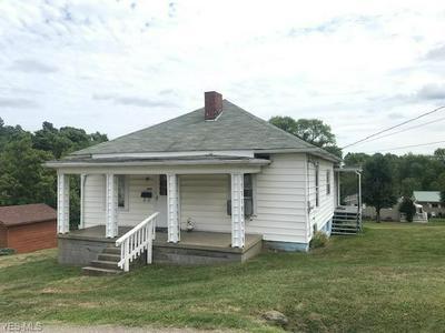 409 DORSEY AVE, Barnesville, OH 43713 - Photo 1