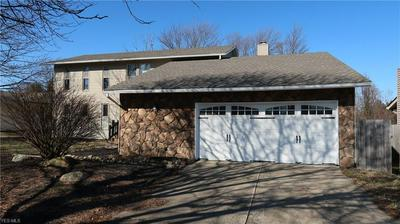 13594 OLDE ORCHARD RD, STRONGSVILLE, OH 44136 - Photo 2