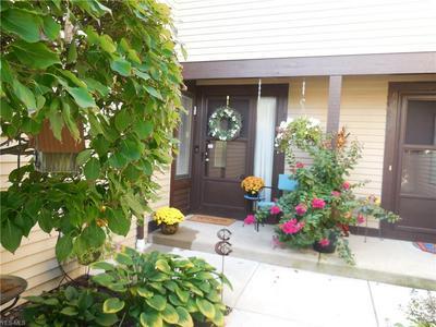 32495 JEFFERSON DR # 8, Solon, OH 44139 - Photo 2